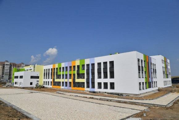 Новую школу в Солнечном-2 готовят к приему учеников